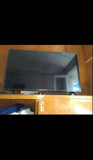 Smart Tv 43 Philips Pfg5813 Y Soporte Para Pared
