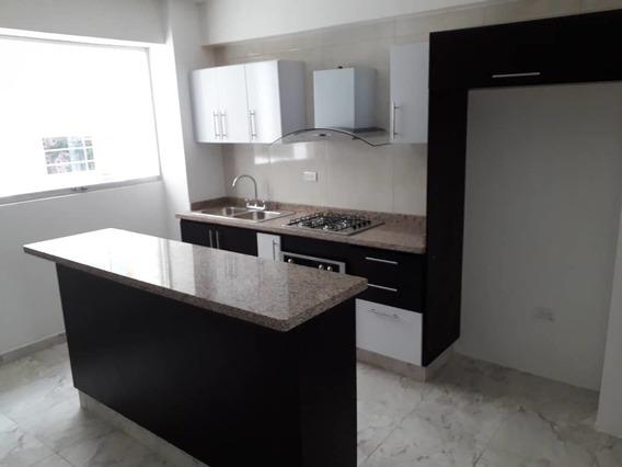 Apartamento/ Pueblo Nuevo