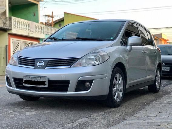 Nissan Tiida 1.8 Sl Flex 5p