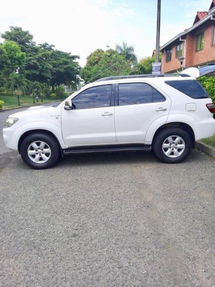 Toyota Fortuner Full 2011