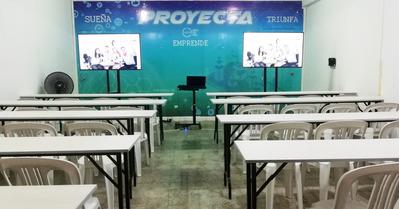 Auditorio Y/o Sala De Capacitación En Piura