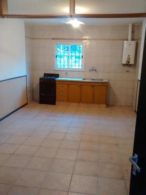 Casa Interna De Pasillo Juan Manuel De Rosas Al 3700 - Rosario