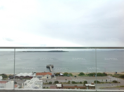 Excelente Apartamento De 3 Dormitorios Con Vista A Playa Mansa En Alquiler- Ref: 30447