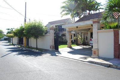 Hermosa Residencia En La Vega