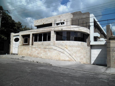 Town House En Venta La Floresta Maracay Ndd 18-16162