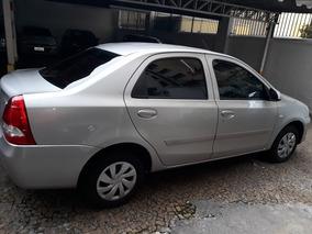 Toyota Etios Sedán X 1.5 16 V