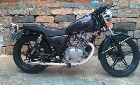Suzuki Intruder Custom