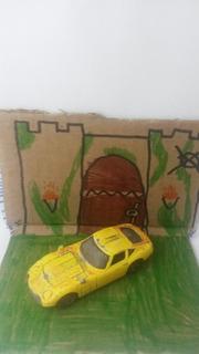 Diorama Carro Abandonado Castelo