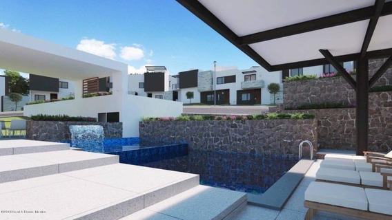 Casa En Venta En Zibata # 18-215 Jl
