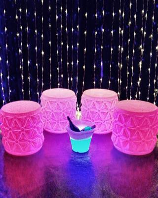Alquiler Muebles Luminosos - Catarata De Luz Mesas Piña