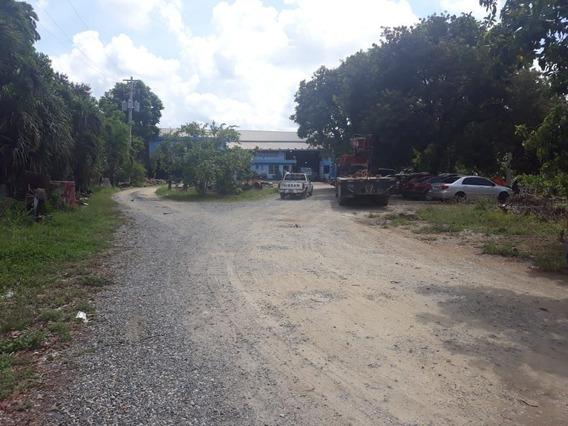 Terreno En Venta Con Oficinas Y Nave En Manoguayabo
