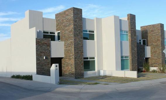 Hermosa Casa En Zibatá, 3 Recámaras, 3.5 Baños, Equipada! Privada, De Lujo.-