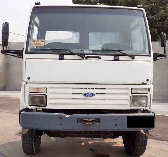 Cargo 2422 6x4 - 96/96 - Traçado, No Chassi Curto