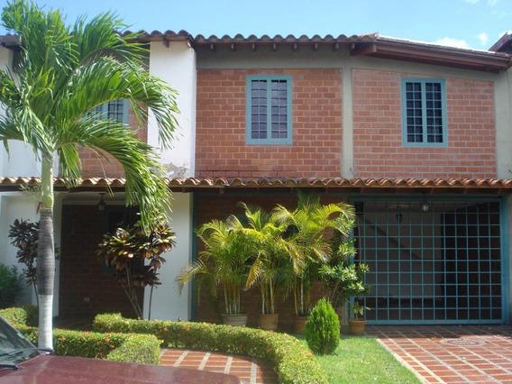 Avp Vende Casa En Castillejo 20-4176