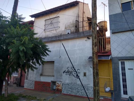 Venta Casa 3 Ambientes En Sarandí Con Patio