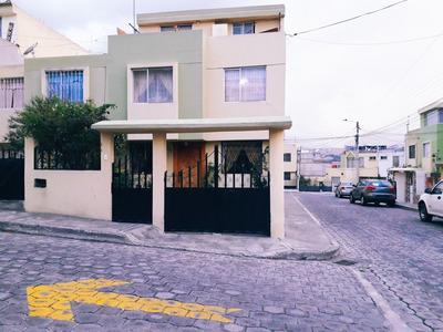Casa En Venta De 4 Habitaciones En Conjunto Privado