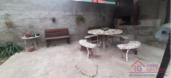 Casa En Venta Tres Dormitorios Dos Cocheras Barrio Patricios
