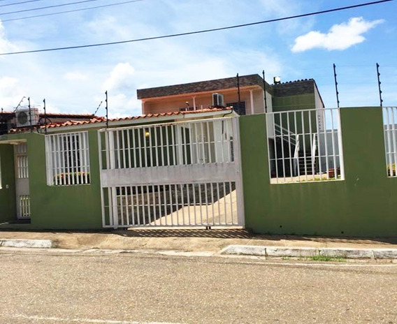 Excelente Casa En Lomas Del Caroní