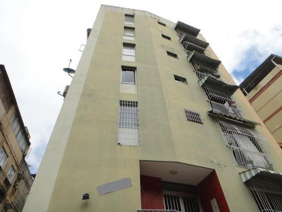 Rc Apartamento En Colinas De Bello Monte Rah 20-3194