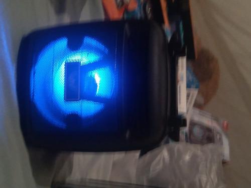 Imagem 1 de 2 de Uma Caixinha De Som Da Altomex Com A Função Bluetooth Usb Pe