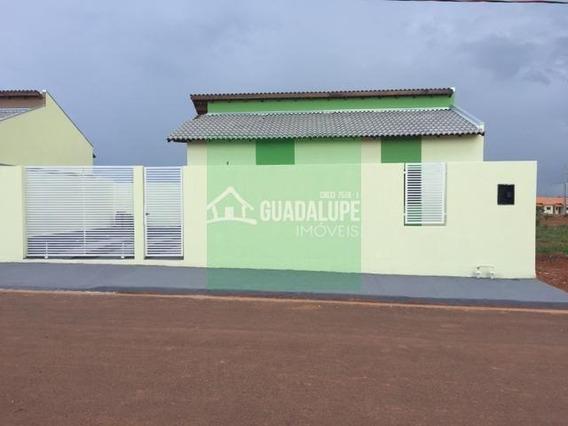 Casa Muito Bem Localizada Para Financiar