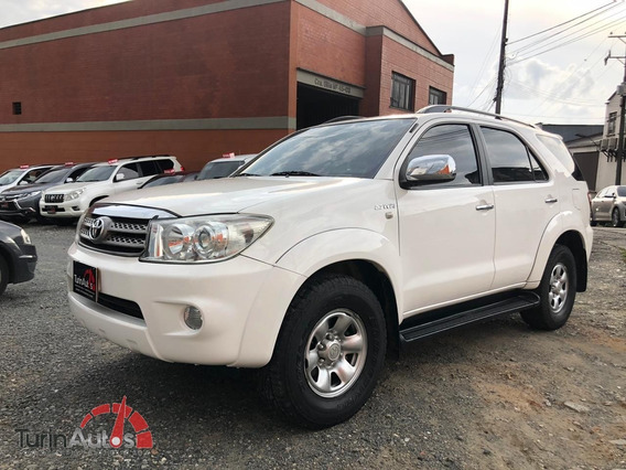 Toyota Fortuner 2.7 At 2011