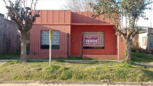 Casa En Venta En Antonio Carboni