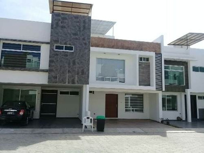 Casa Residencial A Un Costado De Vw,finsa,femsa,bimbo.puebla