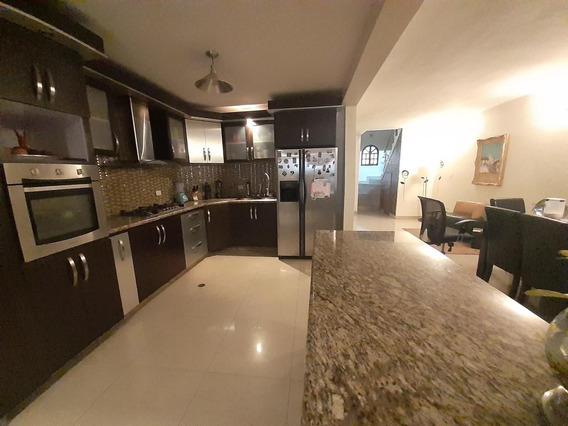 Hermosa Casa En Venta En Este De Barquisimeto #20-16981