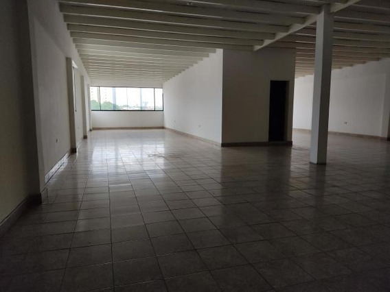 Oficina En Alquiler Zona Centro Barquisimeto 21-5498 Vc
