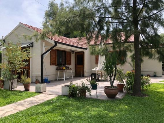Hermosa Casa Con Parque Y Pileta