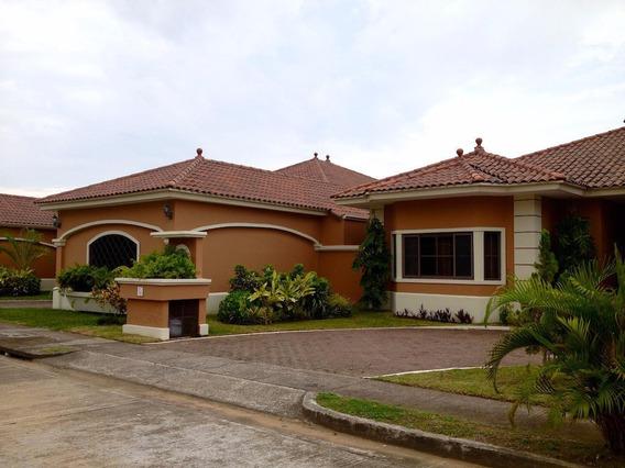 Venta De Casa 19-5895 **hh** Costa Sur