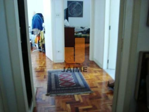Apartamento Totalmente Reformado, 190 M, Com Janelões De Alumínio, Amplo, Claro. Ótima Localização! - Ja951