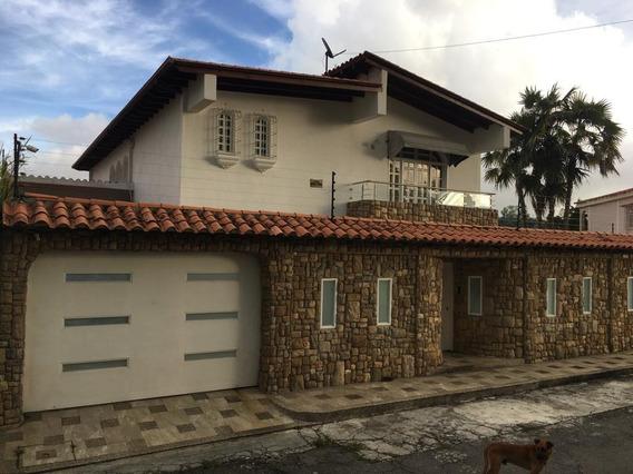 Casa En Venta Rosaleda Norte (zona Privilegiada)