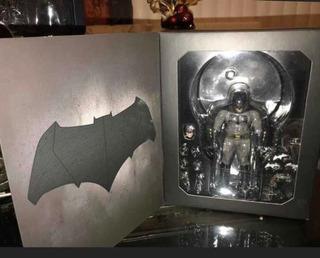 Busco Figura De Acción De Batman De Ben Affleck De Mezco