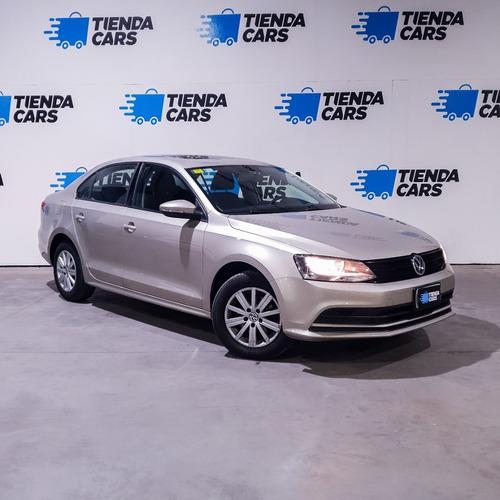Imagen 1 de 8 de Volkswagen Vento 2.0 Advance 115cv Summer Package