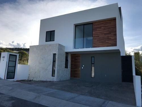 Casa En Venta Con Roof Garden Y Doble Altura