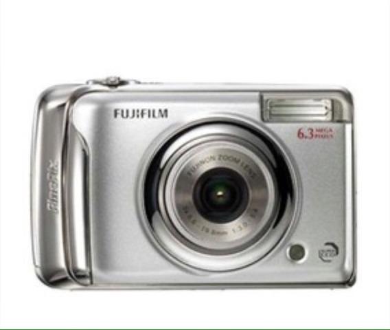 Câmera Fotográfica Digital Semi Nova Pouco Usada.