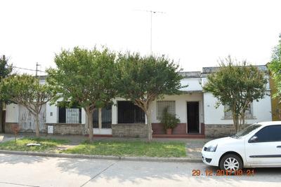 Casa 3 Amb, Local Amp, Living Comedor, Galeria Cerra, Parq.