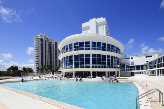 Departamento 2 Dormitorios Frente Al Mar Miami Beach