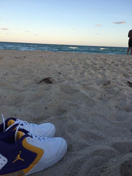 Nike Jordan 23 Laykers Style