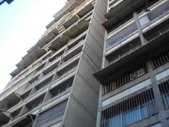 Apartamento 2 Habitaciones, 1 Baño Mls #20-3501
