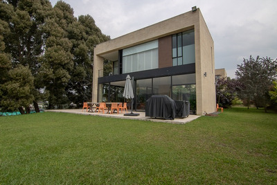 Casas En Venta Alto De Palmas 494-3358
