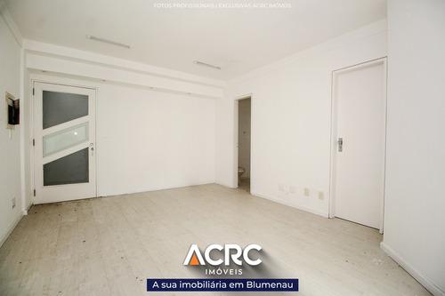 Acrc Imóveis - Sala Comercial No Centro Da Cidade, Com 01 Vaga De Garagem - Sa00684 - 69324676