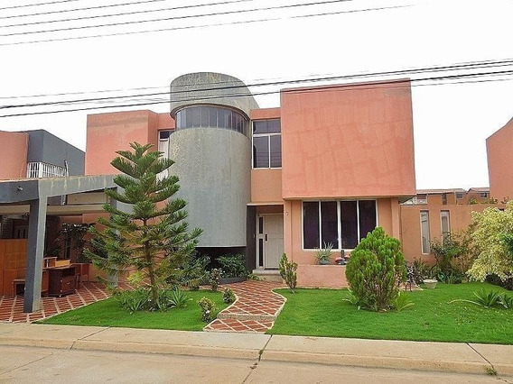 Mariaestela Boada Vende Town House #19-12883