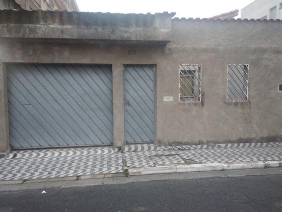 Casas - 3 Dormitórios - 910