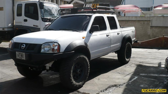 Nissan Frontier Pick-up D/cabina 4x4
