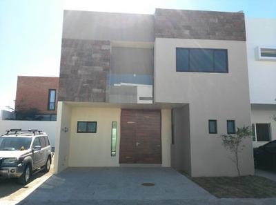 Casa En Renta En Acanthia, Solares Res. Zapopan Jal.