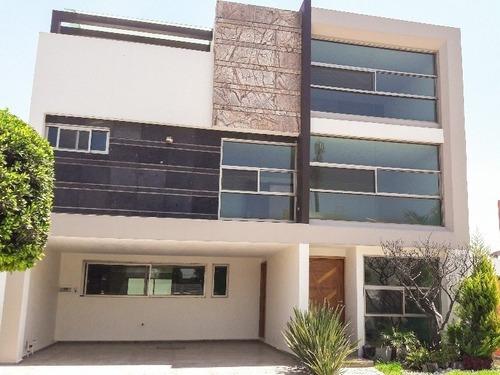 Venta De Casa En Cluster 11 11 11 Lomas De Angelopolis!!! Acabados Premium!!