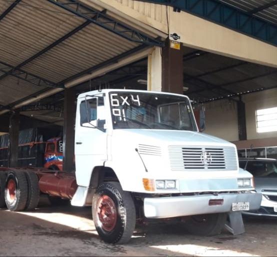 Mercedes Benz 2318 Traçado 6x4